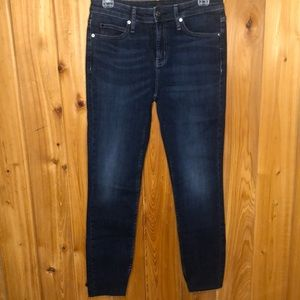 NWOT Calvin Klein Mid-Rise Skinny Jeans